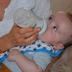 introducing-bottle-to-breastfed-baby